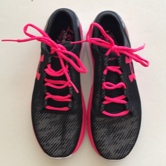 a262b8f8 Women's Underarmour Running Shoes - Size 9